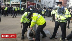 covid-19:-police-officers-injured-at-dublin-anti-lockdown-yell
