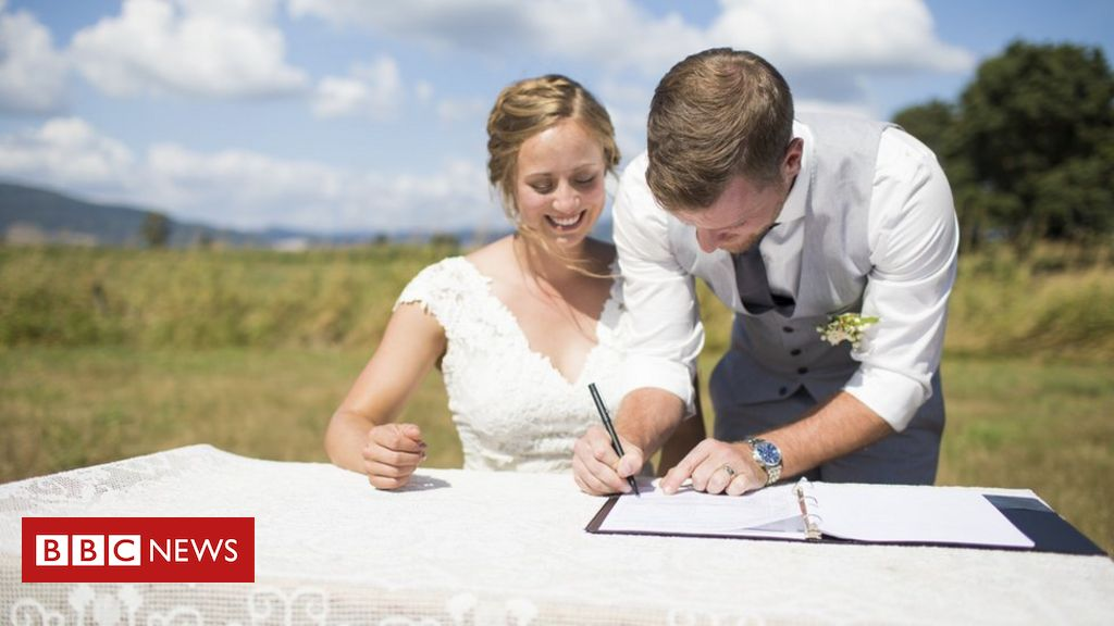 marriage-certificate-to-comprise-moms'-names-in-england-and-wales