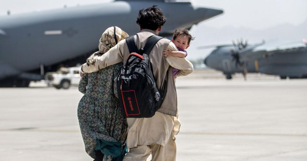 aliban will not allow Afghans to enter Kabul Airport